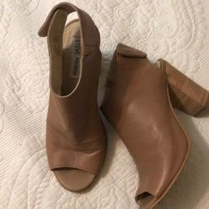 Steve Madden nude leather booties